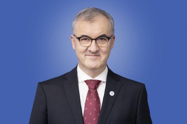 dr Piotr Zwoliński